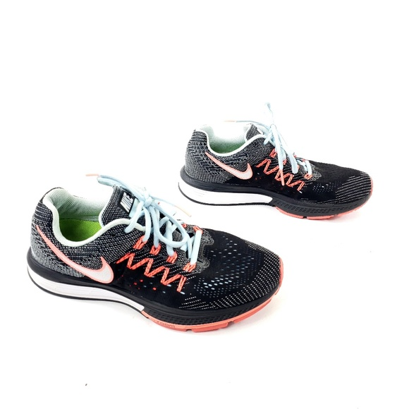 Nike Air Zoom Vomero 10 Running Sneakers